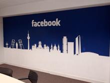 Decoración a pincel para Facebook España (E-Imagina)